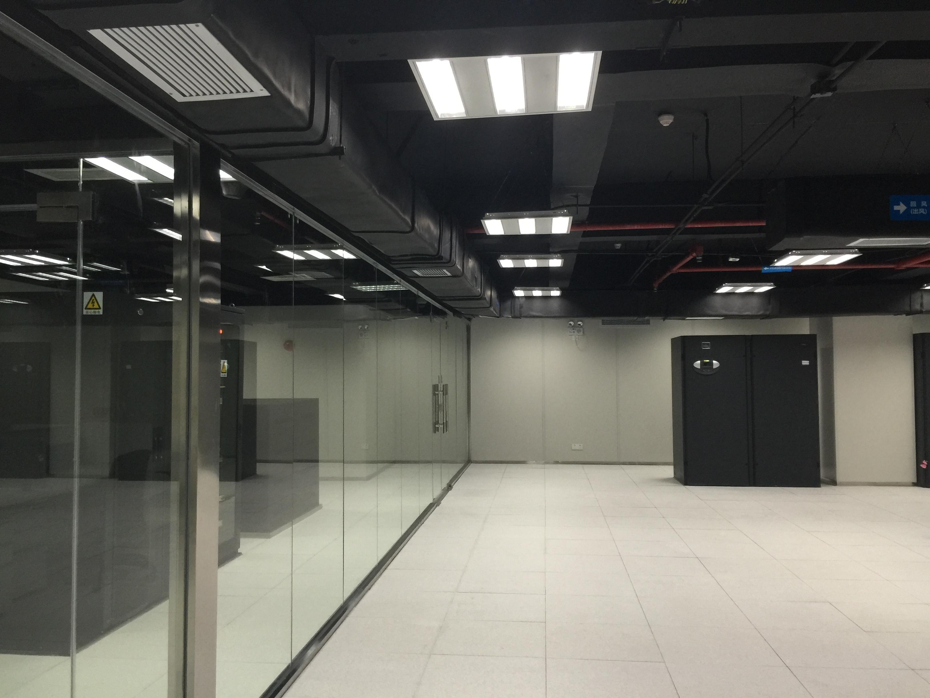 TCL 云创国际一体化机房建设